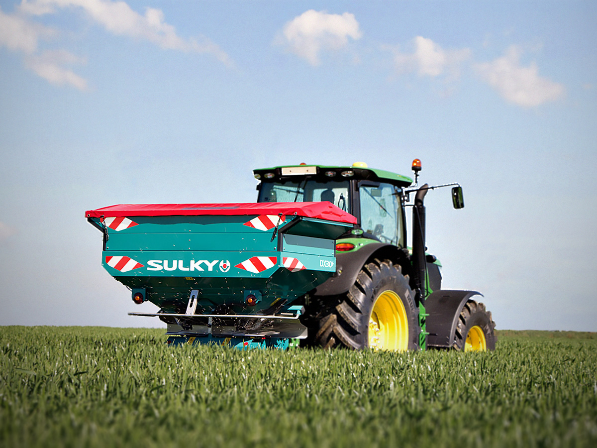 Sulky DX-30+ arbetar på ett fält